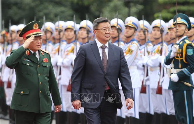 Việt Nam và Mông Cổ tăng cường hợp tác về quốc phòng