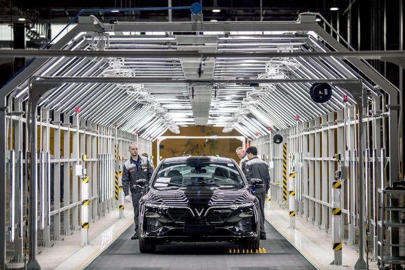 Tỷ phú Phạm Nhật Vượng đầu tư 2 tỷ USD để xuất khẩu xe sang Mỹ