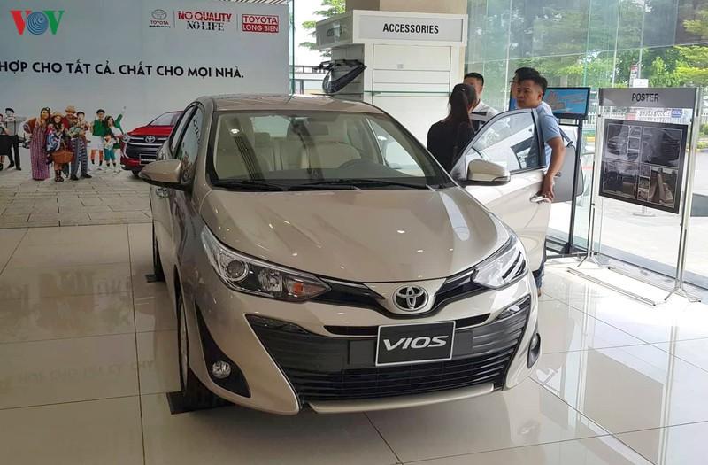 Giá xe liên tục giảm, nhưng thị trường ô tô vẫn không mấy khả quan