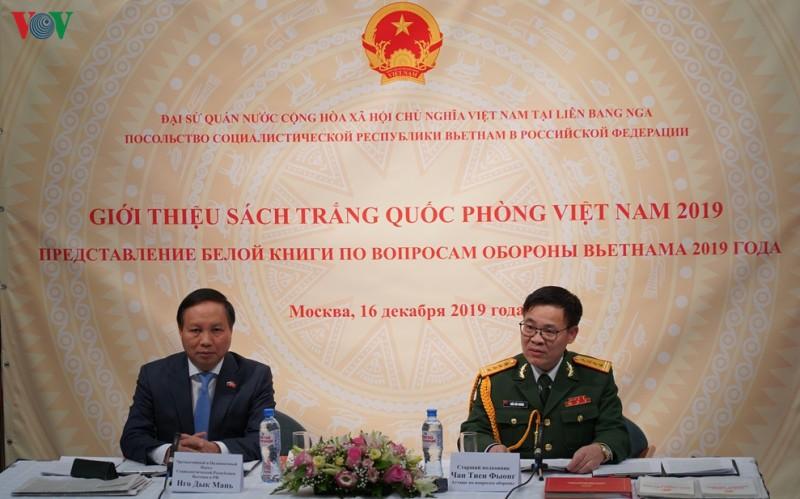 """Giới thiệu """"Sách trắng Quốc phòng Việt Nam 2019"""" tại Nga"""
