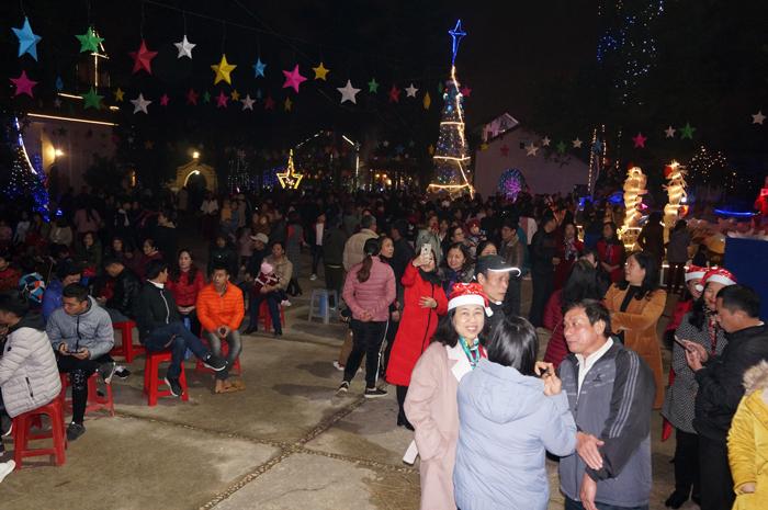 Thành phố Lạng Sơn: Tưng bừng không khí đón Giáng sinh