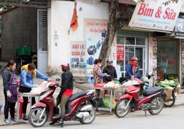 Cao Lộc: Vỉa hè, lòng đường hóa chợ