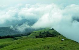 """Mùa """"săn mây"""" trên đỉnh Mẫu Sơn"""