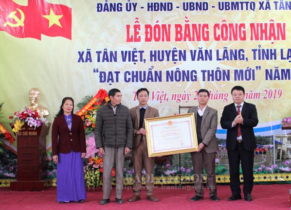 Xã Tân Việt, xã Gia Lộc đón bằng công nhận  xã đạt chuẩn nông thôn mới