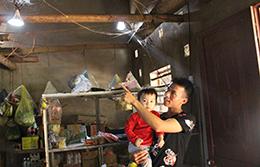 Lân Thuổng: Mong điện về bản