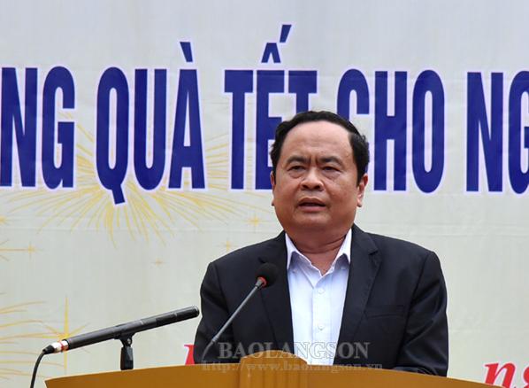 Chủ tịch Uỷ ban Trung ương MTTQ Việt Nam thăm và tặng quà tết tại Lạng Sơn