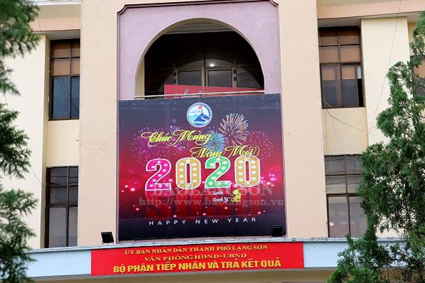 Thành phố Lạng Sơn thay áo mới đón xuân