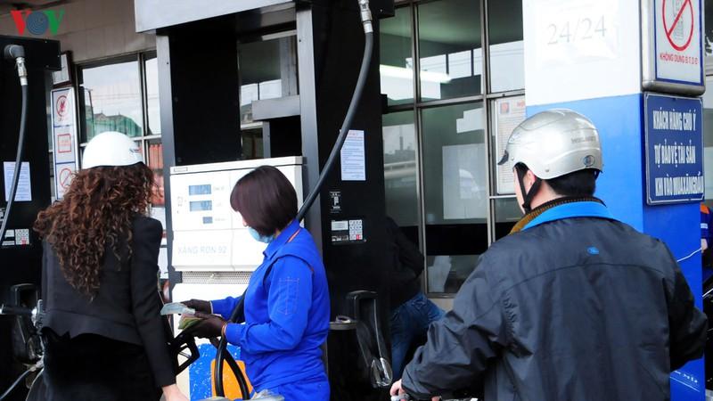 Giá xăng, dầu đồng loạt giảm sâu sau kì nghỉ Tết Nguyên đán