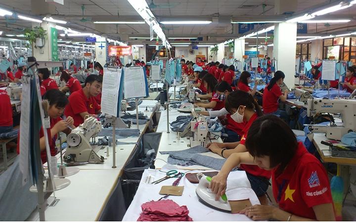 Tạo lực đẩy xuất khẩu dệt may