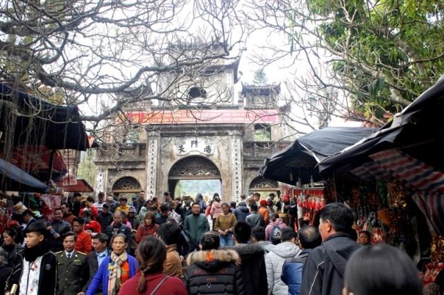 Khai hội chùa Hương năm 2020