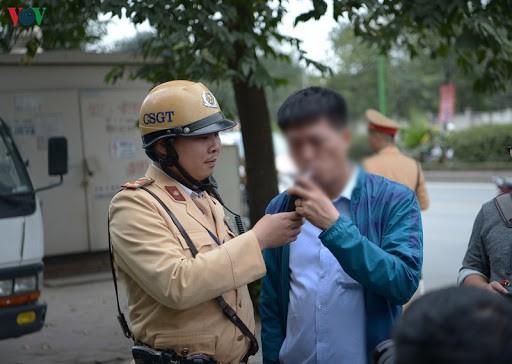 Cục CSGT tạm dừng sử dụng phễu thổi khi đo nồng độ cồn