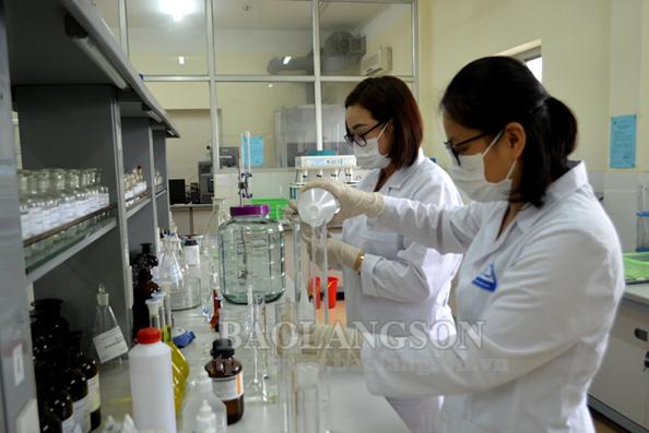 Điều chế thành công dung dịch rửa tay khô phục vụ phòng chống virus Corona