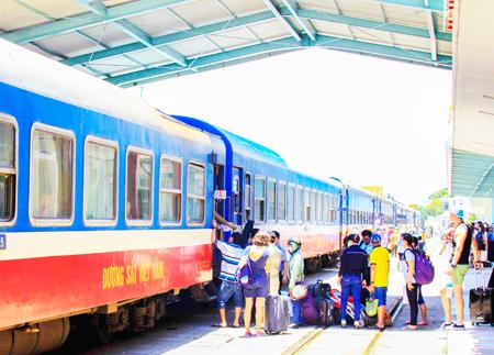 Cải thiện hạ tầng, chất lượng dịch vụ đường sắt phục vụ khách du lịch