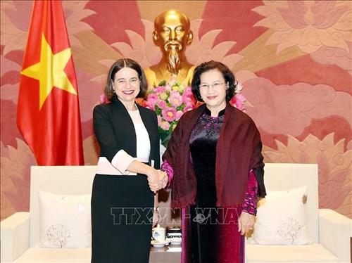 Chia sẻ thông tin và kinh nghiệm ứng phó với COVID-19 giữa Việt Nam và Australia