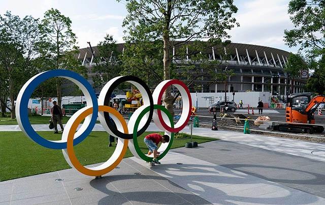 Olympic Tokyo 2020 hoãn buổi tập của các tình nguyện viên