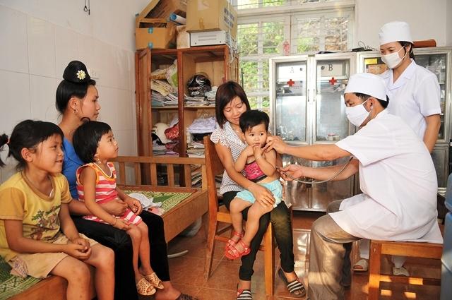 UNICEF cảnh báo việc gián đoạn tiêm chủng cho trẻ em do đại dịch Covid-19
