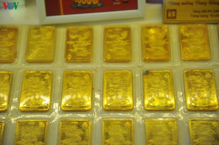 Giá vàng SJC tăng mạnh theo đà tăng của vàng thế giới