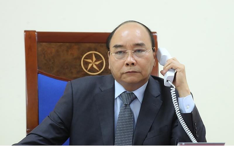 Thủ tướng Chính phủ điện đàm với các nhà lãnh đạo Lào và Cam-pu-chia