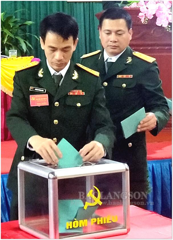 Đảng ủy Quân sự tỉnh chỉ đạo đại hội đảng bộ cơ sở