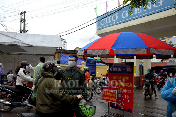 Thành phố Lạng Sơn lập chốt dã chiến kiểm soát y tế tại các chợ đầu mối