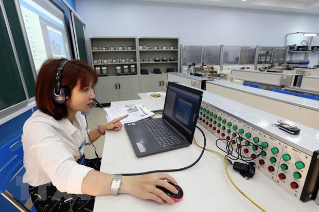 Cơ sở giáo dục nghề nghiệp đào tạo trực tuyến không quá 5 giờ/ngày