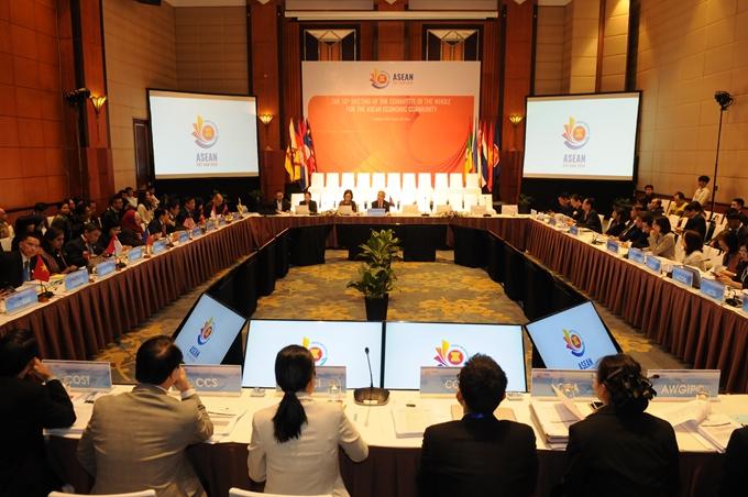 Thông qua Tuyên bố chung ASEAN - Nhật Bản về sáng kiến phục hồi kinh tế ứng phó với dịch COVID-19