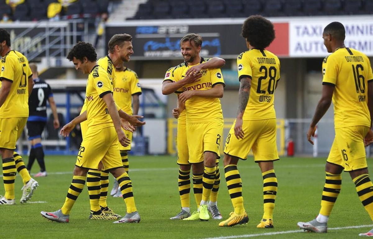 Borussia Dortmund vớt vát hy vọng bằng chiến thắng tưng bừng 6-1