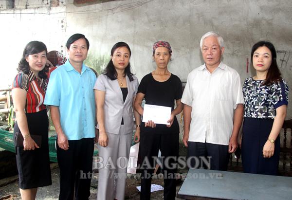 Kiểm tra việc giám sát thực hiện hỗ trợ người dân gặp khó khăn do đại dịch Covid–19 tại thành phố Lạng Sơn