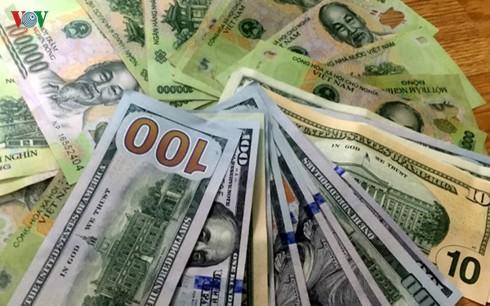 Giá USD đồng loạt giảm tại các ngân hàng thương mại