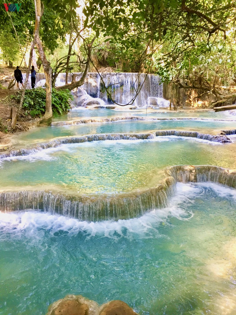 Chiêm ngưỡng vẻ đẹp thác nước trăm tầng của Lào