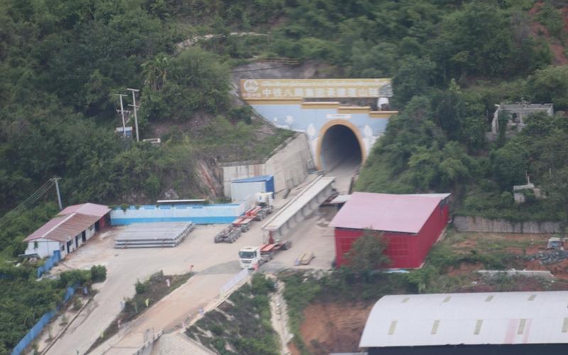 Lào và Trung Quốc tìm cách đưa các dự án đầu tư hoạt động trở lại