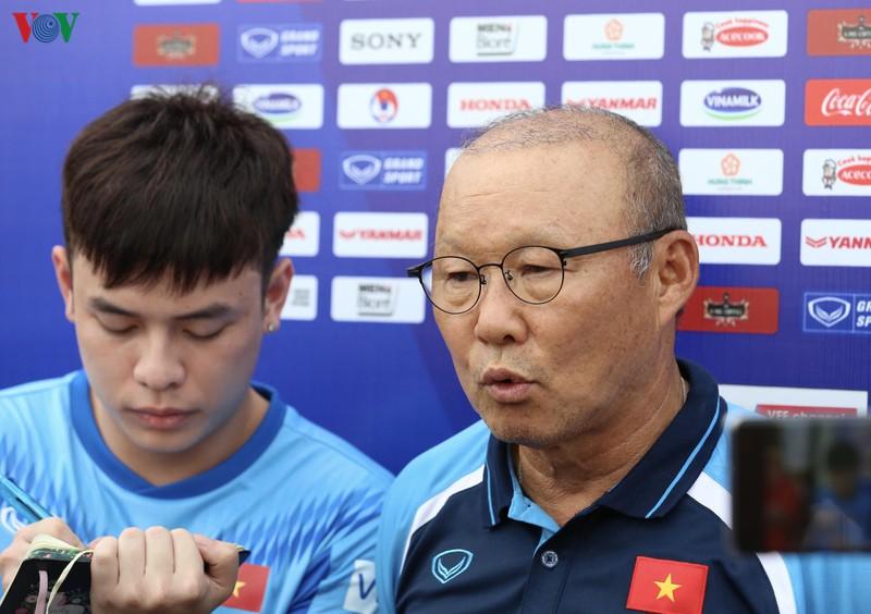 Khó tìm nhân tố mới, thầy Park gợi ý hạn chế ngoại binh ở V-League