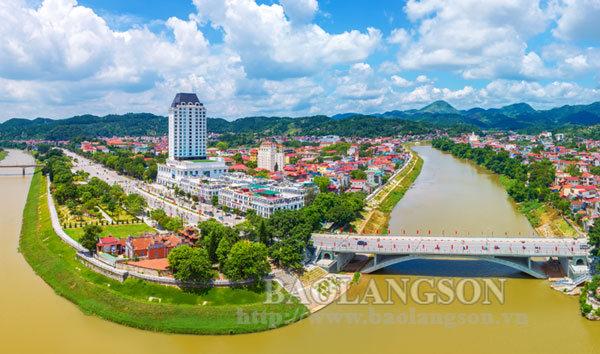 Phát huy lợi thế đô thị trung tâm để phát triển toàn diện, bền vững
