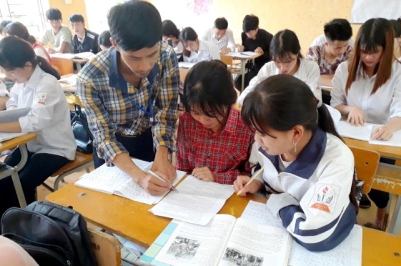 Lào Cai hỗ trợ 400 học sinh hoàn cảnh khó khăn thi tốt nghiệp THPT