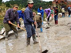 Dân vận xây dựng nông thôn mới: Cách làm ở xã Hữu Khánh