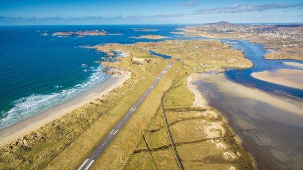 10 sân bay có phong cảnh đường băng đẹp nhất thế giới