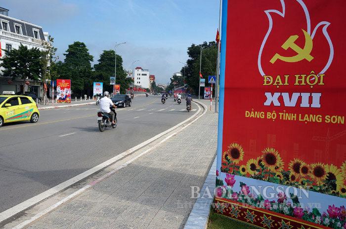 Rực rỡ cờ hoa chào mừng Đại hội đại biểu Đảng bộ tỉnh Lạng Sơn lần thứ XVII