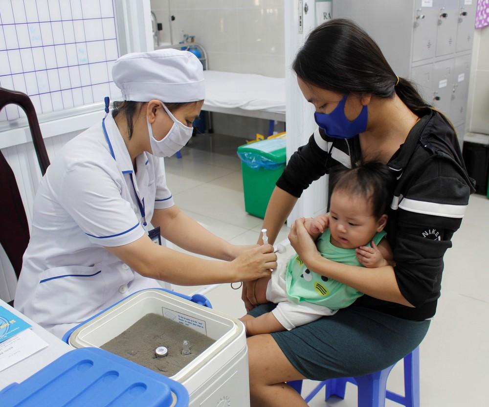 Đưa tiêm nhắc vắc xin bạch hầu, uốn ván cho trẻ 7 tuổi vào chương trình tiêm chủng mở rộng