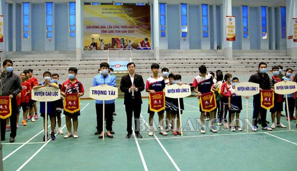 Hơn 100 vận động viên tham gia giải bóng bàn, cầu lông thiếu niên, nhi đồng năm 2020