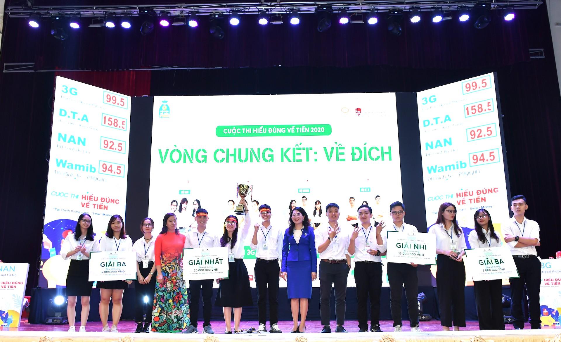 Bộ Giáo dục và Đào tạo trao Bằng khen tặng 63