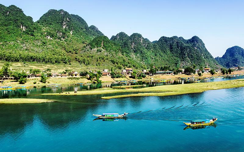 Quảng Bình phấn đấu thành tỉnh phát triển khá trong khu vực Bắc Trung Bộ