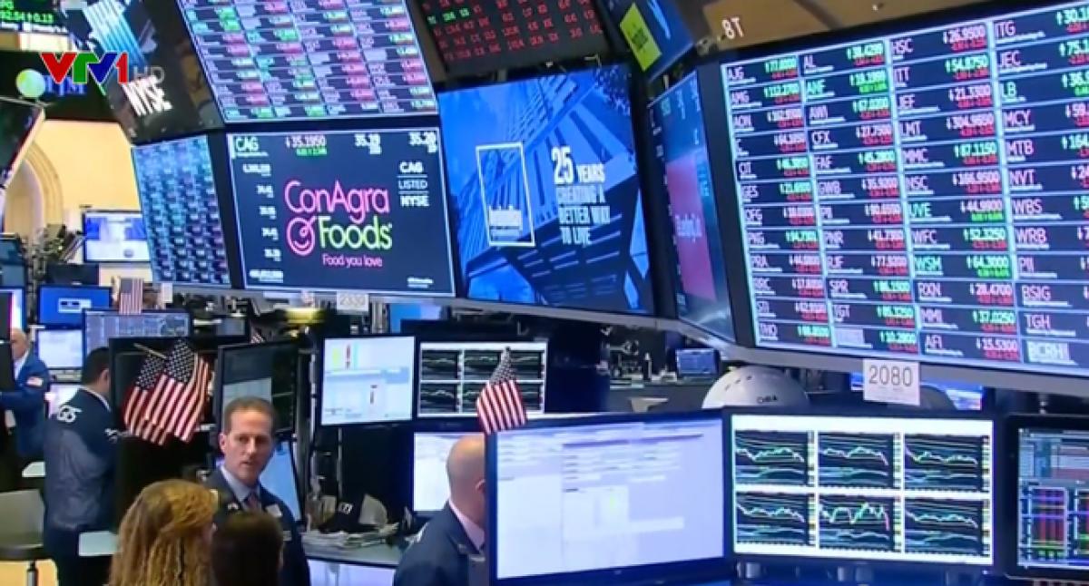 Thị trường chứng khoán Mỹ mở màn năm 2021 với một đợt bán tháo