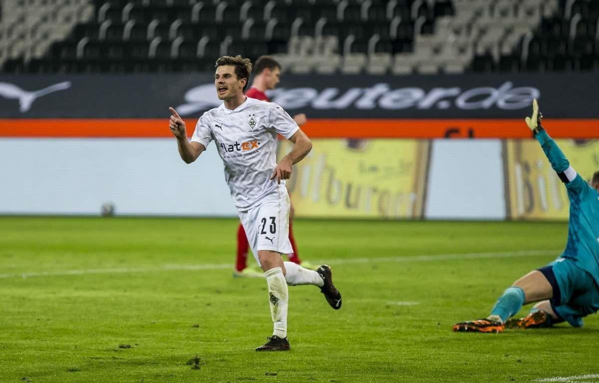 Dẫn 2-0, Bayern Munich thua ngược khó tin trước Moenchengladbach