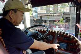 Lắp camera lùi trên xe ôtô: Cần thiết để đảm bảo an toàn giao thông