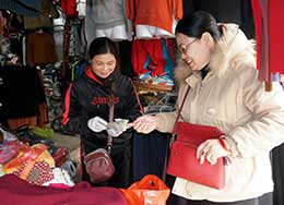 Quần áo mùa đông: Hàng Việt chiếm ưu thế