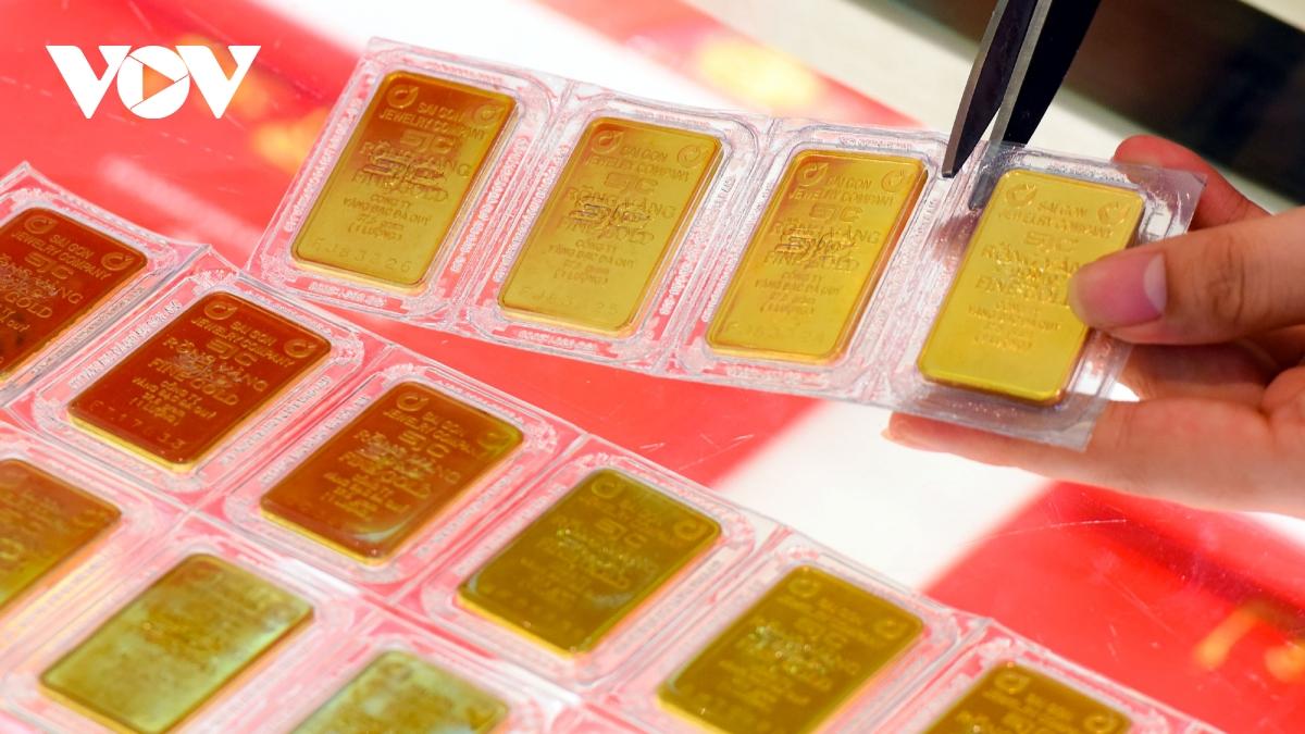 Giá vàng SJC đứng yên khi giá vàng thế giới quay đầu giảm