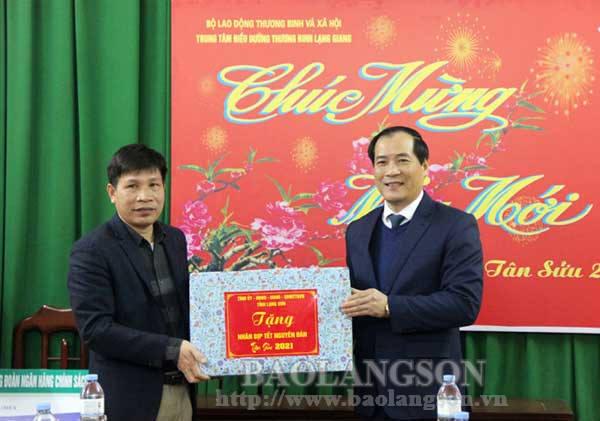 Lãnh đạo UBND tỉnh thăm, chúc Tết tại Trung tâm Điều dưỡng thương binh Lạng Giang