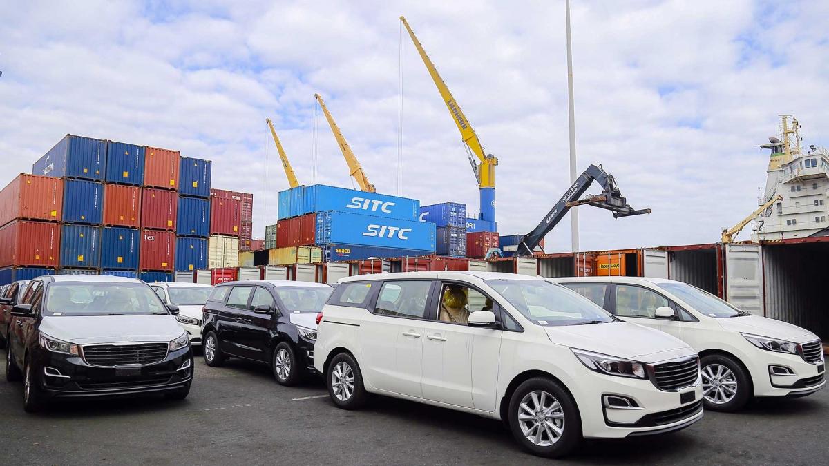 THACO hoàn thành mục tiêu xuất khẩu hơn 1.400 ô tô và linh kiện