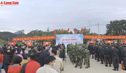 Lãnh đạo tỉnh trồng cây đầu xuân tại thành phố Lạng Sơn