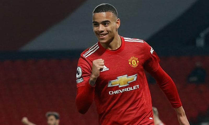 Man United ngược dòng thắng Brighton 2-1
